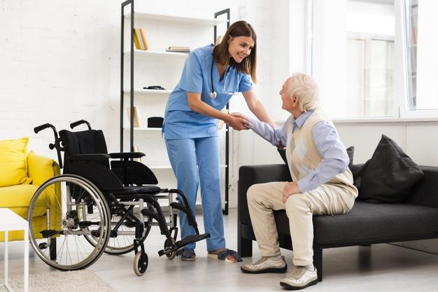 پرستار سالمند معلول