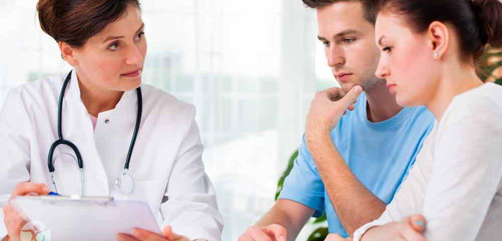 معاینه و مشاوره قبل از بارداری